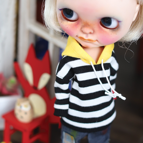 Blythe Stripe Coloring Hooded T - Black